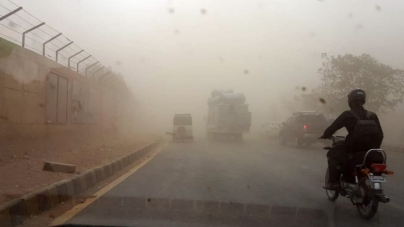 Three killed, 86 injured as dust storm hits Karachi