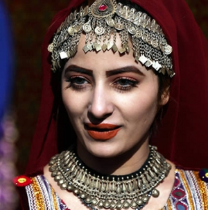 Kabul's First-ever Street Fashion Show Aims to Promote the Country's Culture