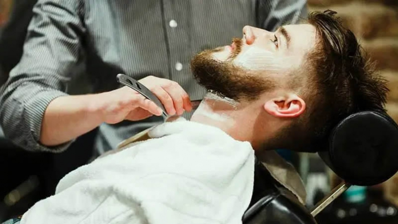 Punjab's New Lockdown SOPs Leave Barbers in Quandary