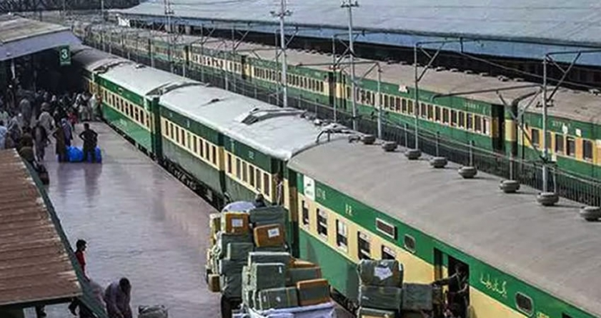 Pakistan Railways to Resume Operations after Covid-19 Lockdown Ends