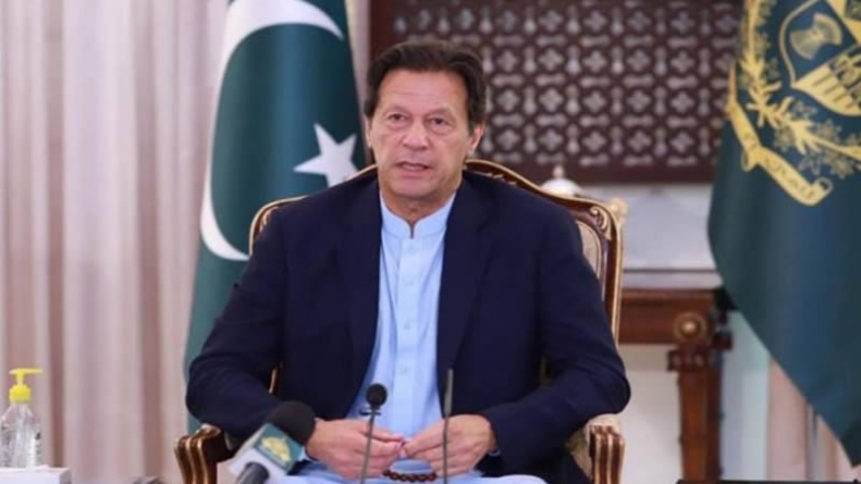 PM Imran Bats for Unlocking Economy, Eases Coronavirus Lockdown