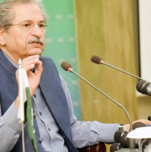 Govt to Open Schools with Strict SOPs: Shafqat Mahmood