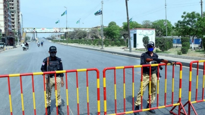 'Smart lockdown' Begins in Karachi