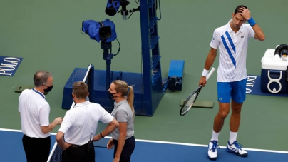 Novak Djokovic Disqualified from US Open after Hitting official with Ball