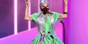 Custom Masks, Coronavirus and Black Lives Dominate VMA show