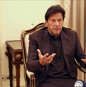 Coronavirus: Imran Khan urges People to wear masks, get Vaccinated