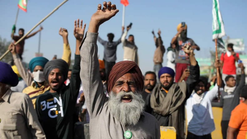 India Farmers Block Railway Tracks, Roads in National Action against new Laws