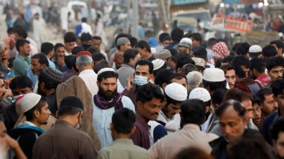 Pakistan Lifts Curb on Commercial Activities amid Decline in Covid-19 Cases