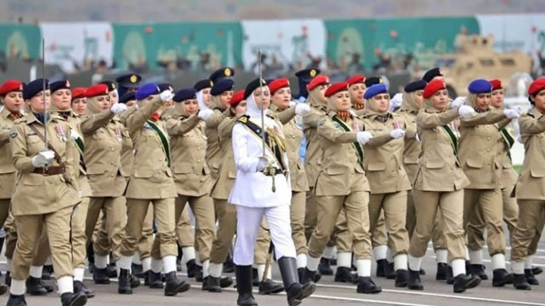 Pakistan shows off military might at annual parade in Islamabad