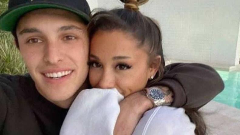 Ariana Grande marries fiancé in Los Angeles