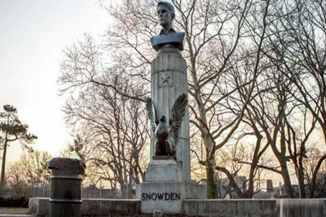 Artist Places Snowden Statue in New York Park