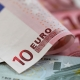 Euro Racks up Third Straight Gain Against Dollar