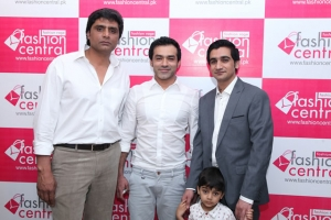 Fashion-Central-Multi-Brand-Store-Launch-DHA-Lahore-Images