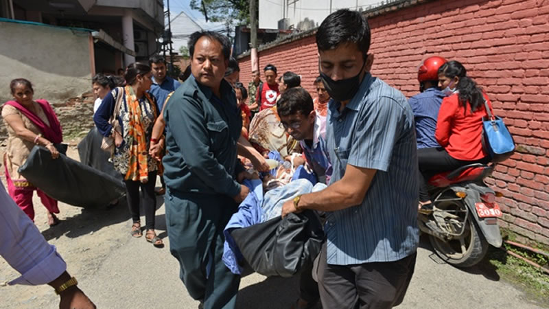 new quake hits shattered Nepal