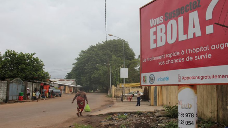 Guinea Ebola cases rise, three doctors infected