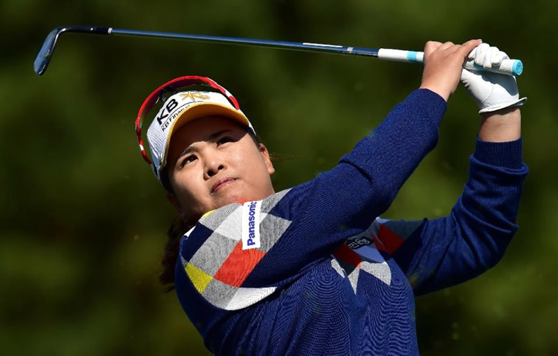 keeps South Korea's Park on top