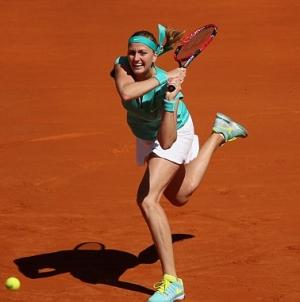 Maria Sharapova Advances to 3rd Round of Madrid Open