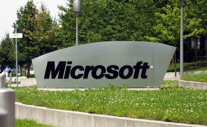 Microsoft Exec Sees Autumn Release for Windows 10