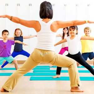 More US Kids Doing Yoga, Taking Sleep Supplements