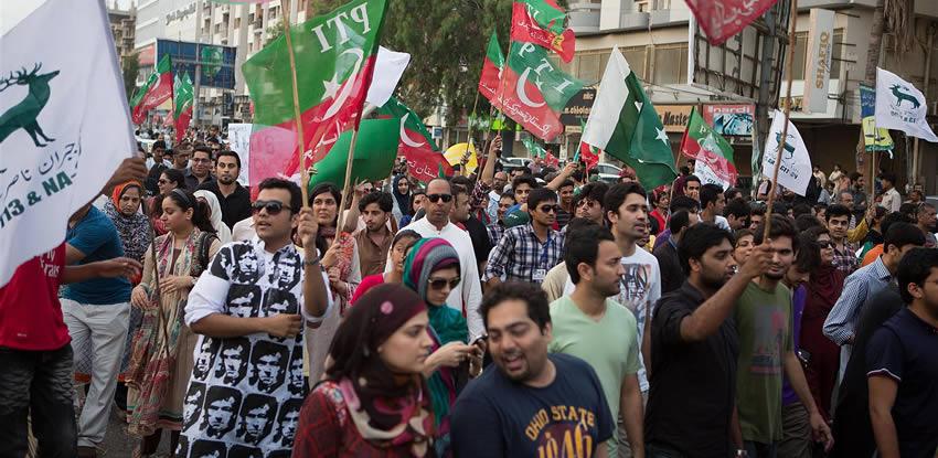pti karachi strike photos