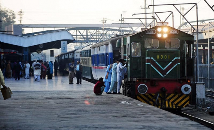 Pakistan Railways May Offer 22 More Trains to Private Sector
