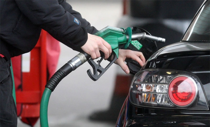 Petrol Price Cut By Rs 8 Punjab Gets Relief On CNG As Well