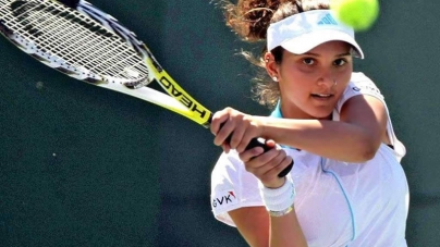 Sania Mirza Climbs to Top of Doubles Ranking