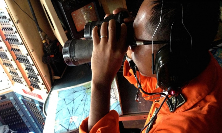 AirAsia QZ8501: Smoke Spotted in Search For Missing plane