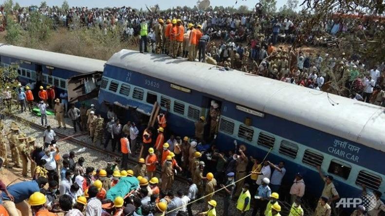 Train Crash Kills at Least 10 in India