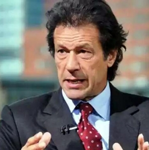 Imran Accuses Sharif Of Running A kingdom