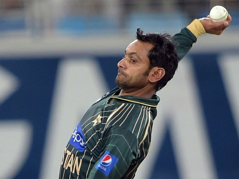 M hafeez bowling action